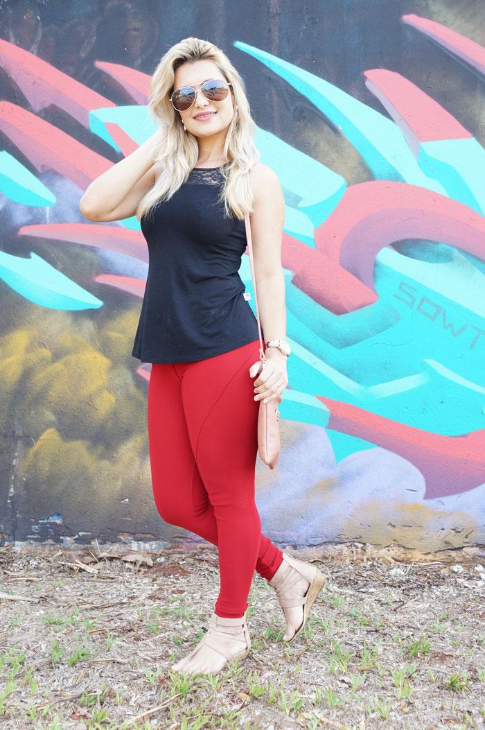Look /  Calça legging Vermelha.
