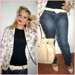Look: Jeans e Blazer Floral